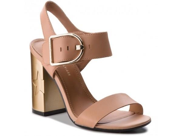 TOMMY HILFIGER Model: Feminine Heel Oversized Buckle
