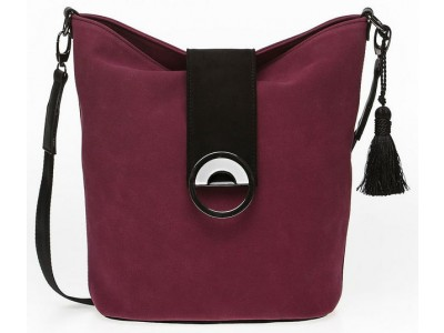 Christina Malle Cherry hobo